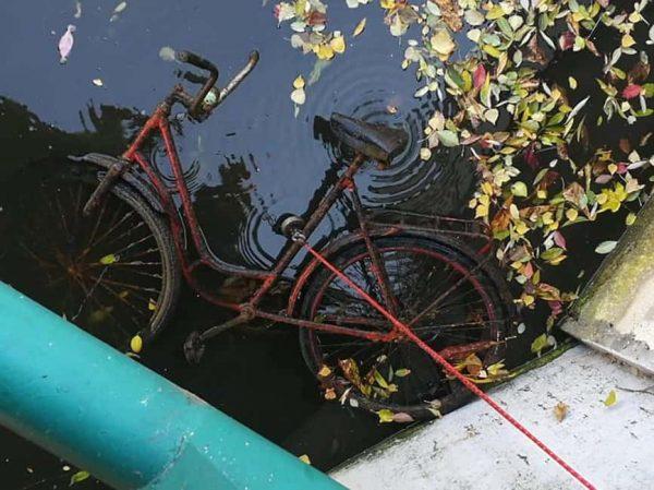 magnet fishing bicykel