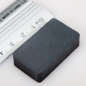 Feritový   magnet kváder 40x25x10 mm - Y30BH