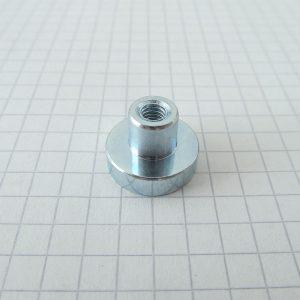 Magnet   v puzdre s vysunutým vnútorným závitom 16x4,5 mm - N42