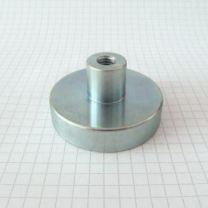 Magnet v puzdre s vysunutým vnútorným závitom 48x12 mm