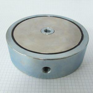 Magnet   v puzdre so závitom cez celý magnet 135x40 mm obojstranný
