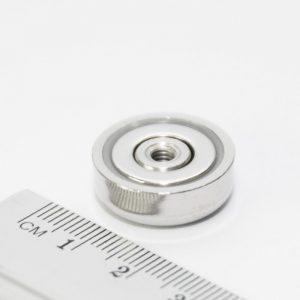 Magnet   v puzdre so závitom cez celý magnet 20x7 mm