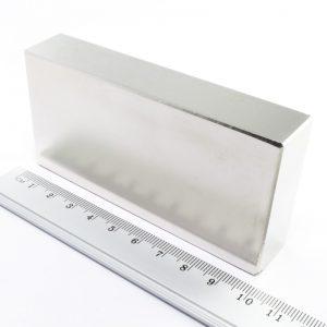 Neodýmový   magnet kváder 100x50x20 mm - N38