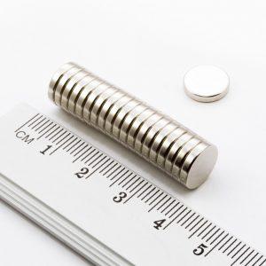 Neodýmový   magnet valec 10x2 mm - N38